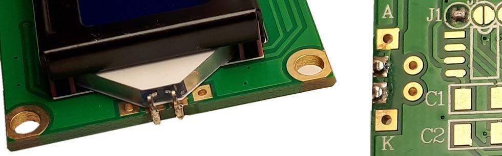 Détail de l'implantation de la led de rétroeclairage au bord du circuit de l'afficheur LCD