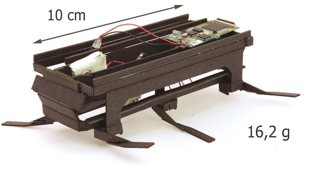 Le robot biomimétique Dash en matériaux muticouche de 16,2 g